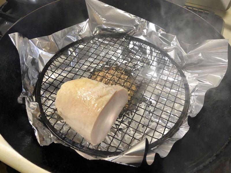 サラダチキンと温泉卵の冷製親子カルボナーラ9