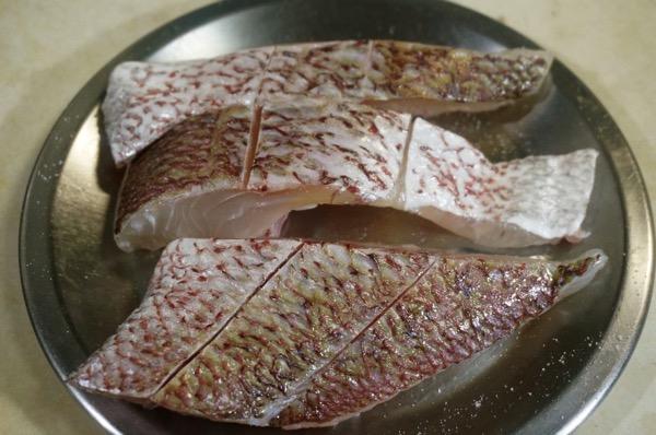 真鯛の白ワイン蒸しクリームソース4