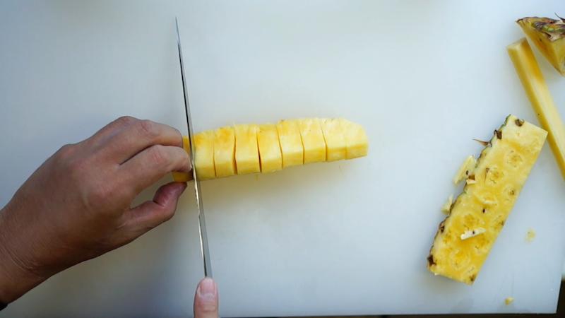 パイナップルの切り方-15