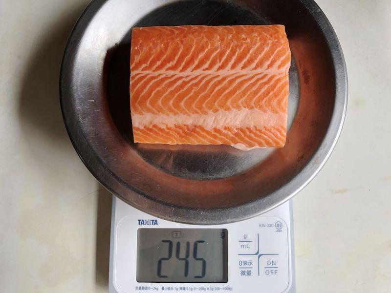 低温調理でサーモンを調理18
