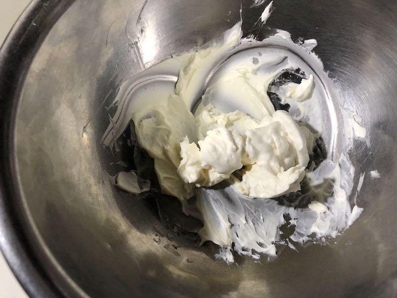 サラダチキンと温泉卵の冷製親子カルボナーラ16