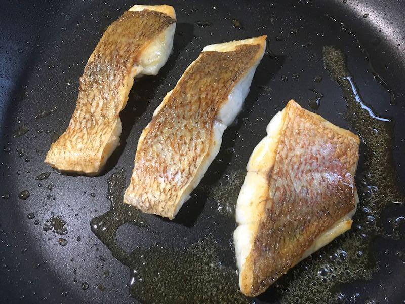魚のソテーフライパンでの焼き方16