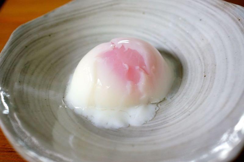 サラダチキンと温泉卵の親子シーザーサラダの作り方1