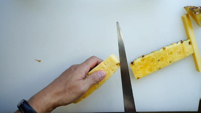 パイナップルの切り方-13