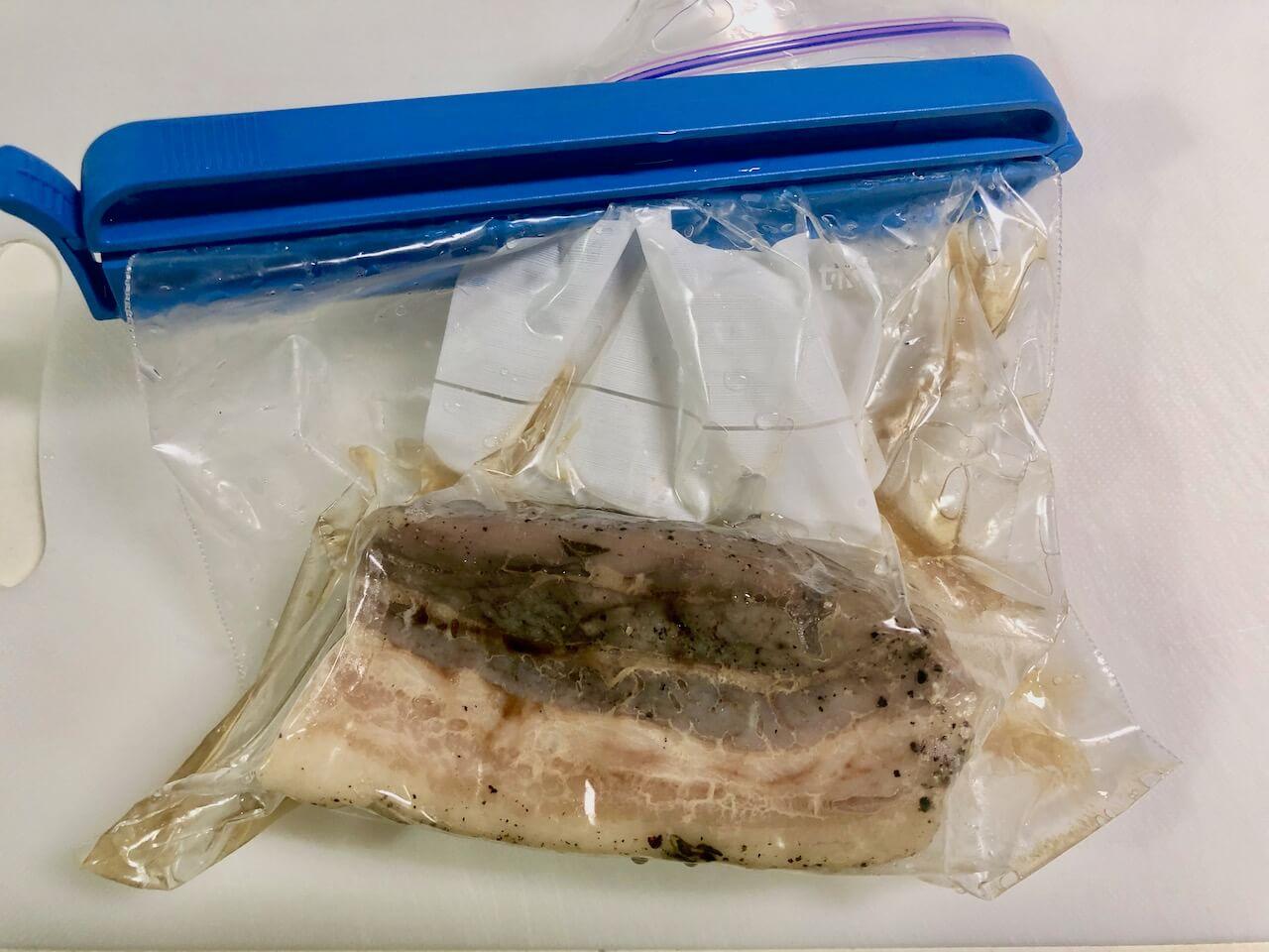 低温調理豚バラ肉53