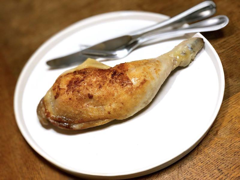 低温調理鶏もも肉のコンフィ完成