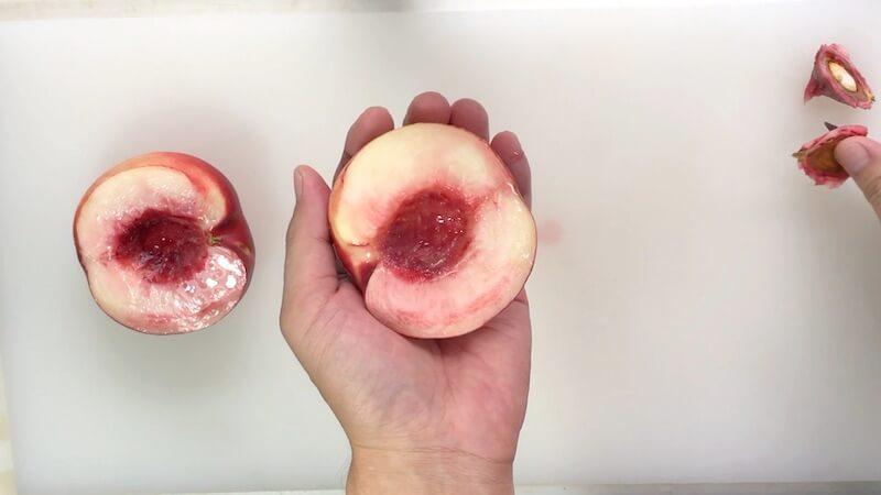 桃の種を抜く2
