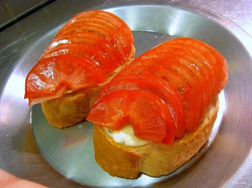 フルーツトマトの焼きブルスケッタ8