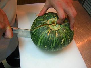 かぼちゃを剥く6