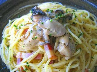 牡蠣とベーコンのスパゲティ